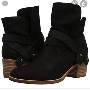Ugg Elora Black Leather Ankle Boots